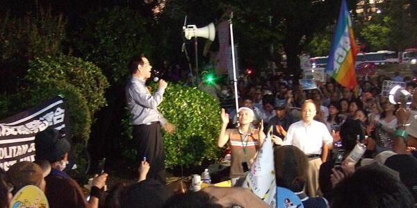 【社会】 「日本に原発があるのは日米安保条でしばられているからだ」「再稼働反対・人事案撤回」 金曜デモ官邸前で声あげ続ける