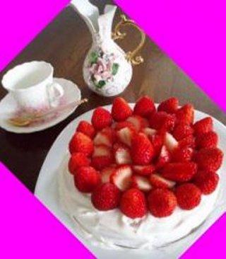 手作りイチゴケーキ