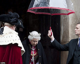 Queen+umbrella+-1.jpg