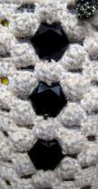 ペットボトルホルダー 白と白ラメの引き糸 花菱の変形 黒のビジュー A-3