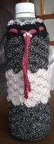 ペットボトルホルダー 黒金 白 赤(ボルドー)5目の松編み1-A