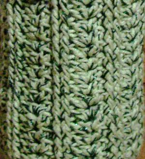 ペットボトルホルダー 若草色とグリーンのラメ(引き糸) ラメ混合の黒 ボルドー のぼり藤 A-4