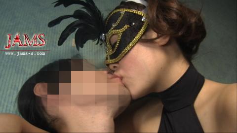 マスクに隠した妖艶なボディ。若き巨乳巨尻長身美女、小西麻琴![MDV-03]長身女肉ツリー 肉厚巨尻タワー