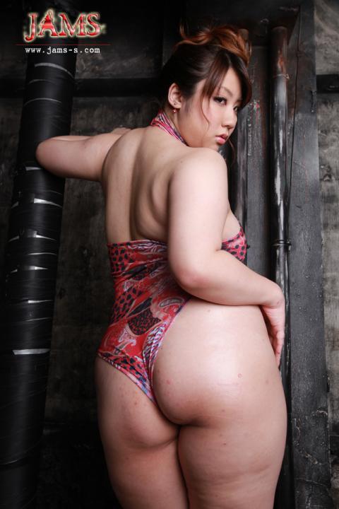 柚木彩華[MDV-02]女肉の巣窟!夜行性巨尻