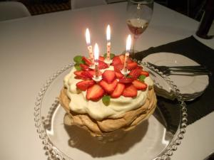 Birthday candle Pav. & plates