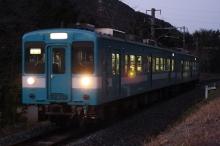鉄道写真にチャレンジ!-飯田線119系E4編成 薄暗い中のE4