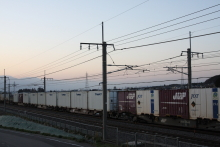 鉄道写真にチャレンジ!-中央本線 2082レ EH200-5 + コキ⑫