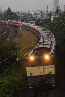 鉄道写真にチャレンジ!-配9233レ EF64-1032 + E231系10B 2011.09.10