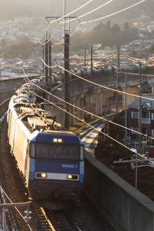 鉄道写真にチャレンジ!-2011.12.31 5460レ EH200-1牽引