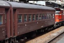 鉄道写真にチャレンジ!-試9220レ DD51-842 + 旧客2B + DD51-888