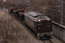 鉄道写真にチャレンジ!-配給輸送 EF64-37+ホキ(3B) 2012.04.05