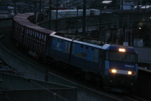 鉄道写真にチャレンジ!-2082レ EH200-5 + コキ 2012.04.05