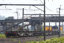 鉄道写真にチャレンジ!-工9476レ EF64-38 + チキ(8B)