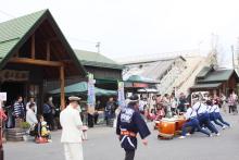 鉄道写真にチャレンジ!-中央線紀行号 富士見駅の外では・・・