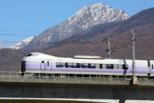 鉄道写真にチャレンジ!-八ヶ岳とスーパーあずさ
