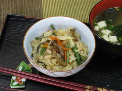 ②山菜の炊き込みご飯