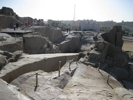 エジプト旅行:切りかけのオベリスク②