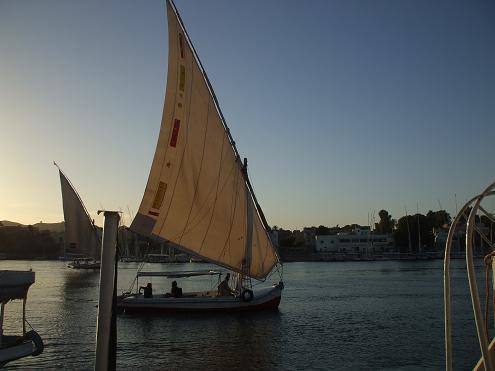 エジプト旅行:帆船ファルーカ