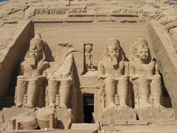 エジプト旅行:アブシンベル大神殿 正面