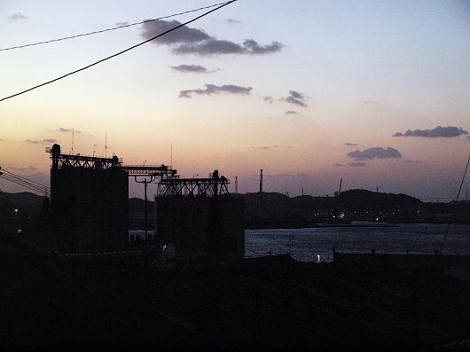 関門海峡の夕暮れ02-20140101
