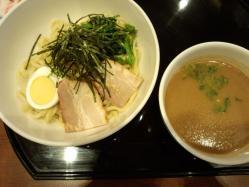豚骨醤油のつけ麺