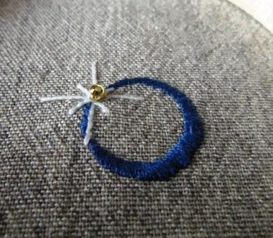 金環日食イメージの刺繍♪