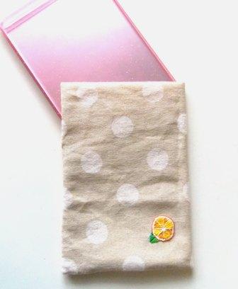 みかん刺繍のミラーケース