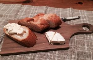 カッティングボード(チーズ)