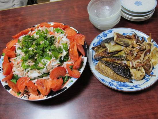 サバみりん、イカみりんと豆腐ほうれん草サラダ