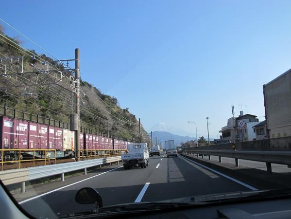 貨物列車と富士山
