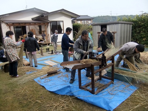 2012.11.29 わらの加工研修 065 (3)