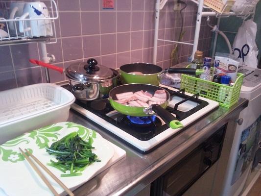 新しいキッチンで