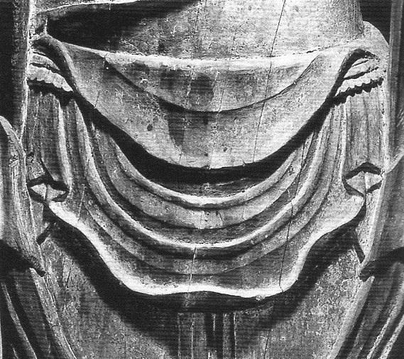 延命観音像・腹部(石帯が見える)