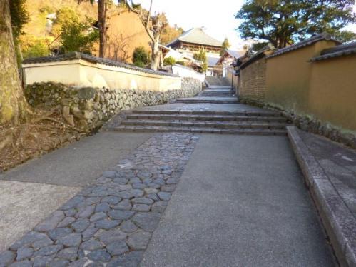 東大寺で一番好きな場所です 人いないでしょ こんなに静かな場所があるんです