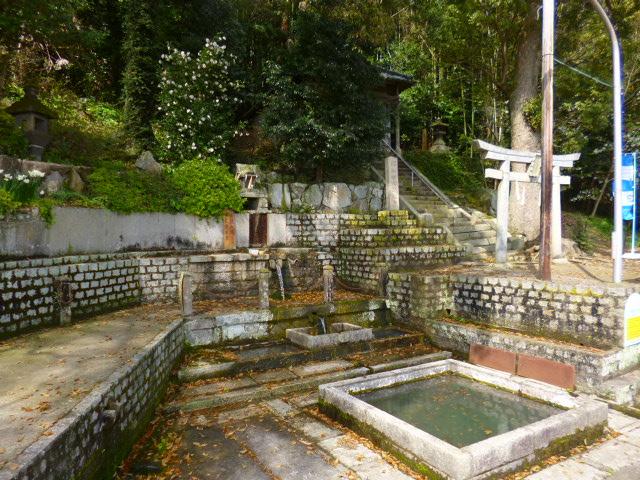 唐櫃の清水は香川の名水に指定されています