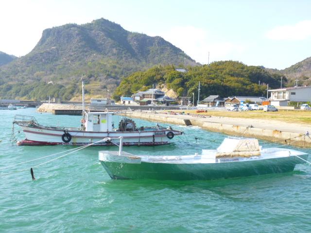 ステルス漁船です