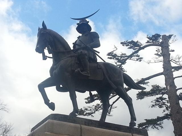 青葉城跡 政宗銅像