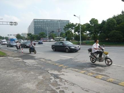 杭州電気バイクS