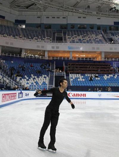 神戸ライフ:ソチ「アイスブルク・パレス」到着後すぐ 公式練習②