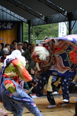 獅子舞 の披露