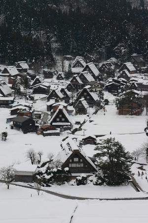 雪~もっと欲しい~白川郷