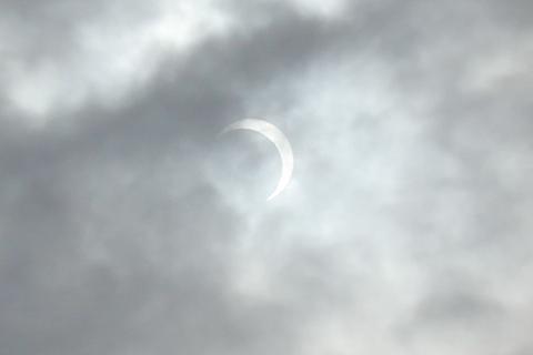 sun_120521_02.jpg