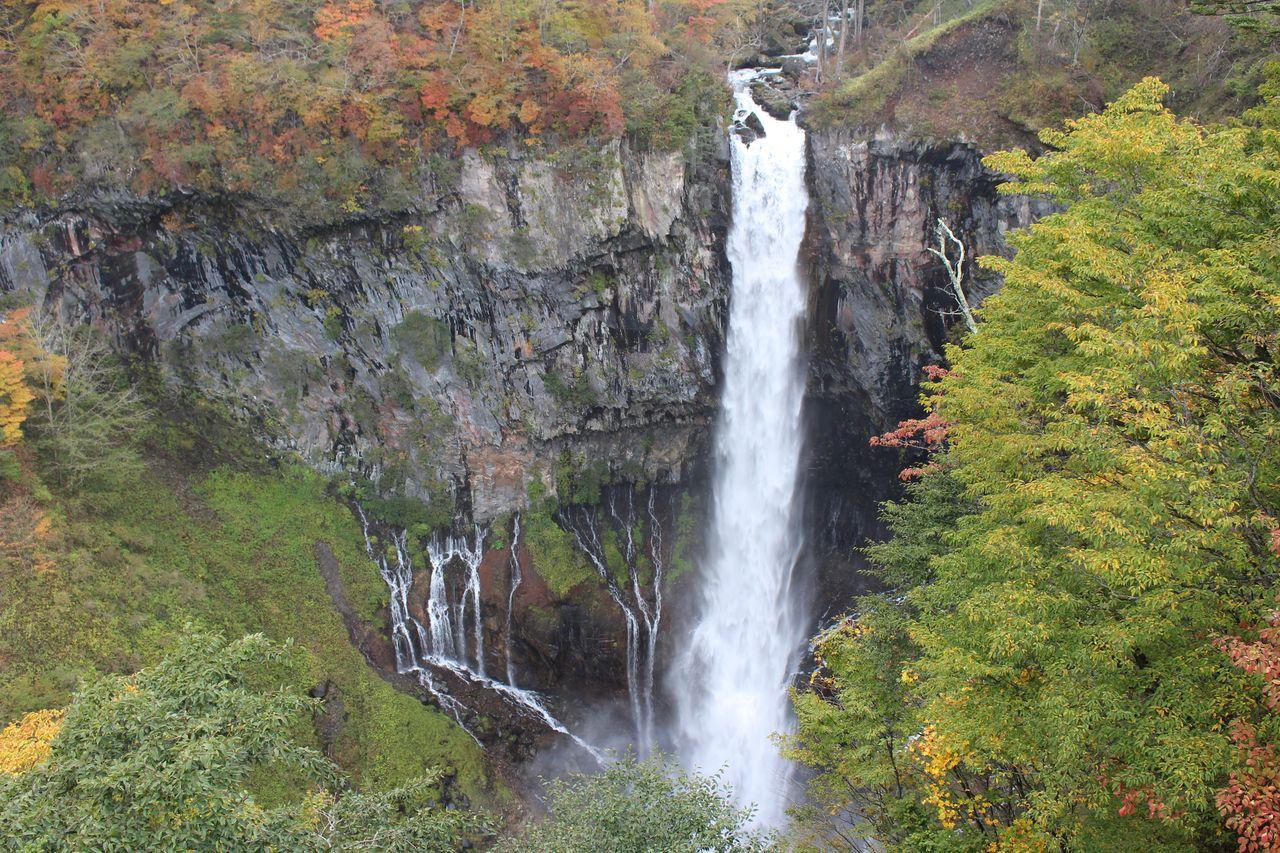 華厳の滝-1