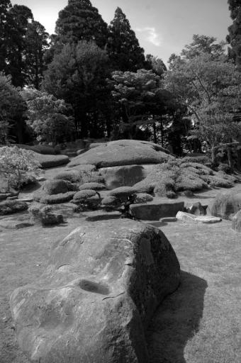 天空のお庭の柔らかい石