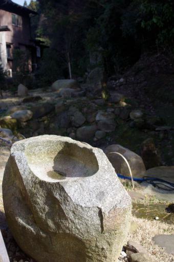 玉造御茶跡の手水鉢