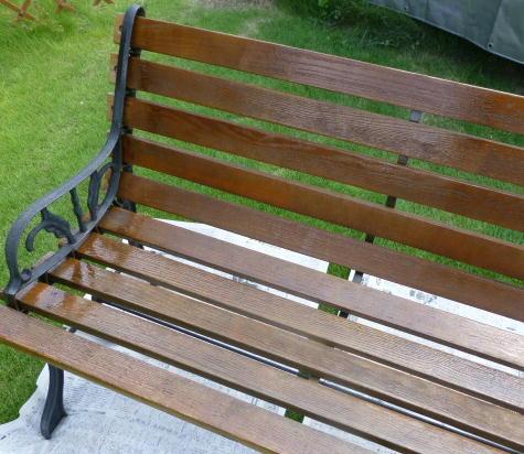 塗り立てベンチ