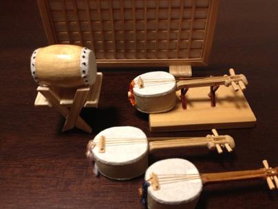 手作りの和楽器のミニチュア