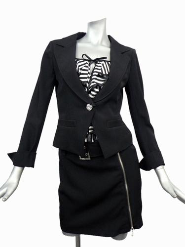 女教師っぽいスーツ買ったなう