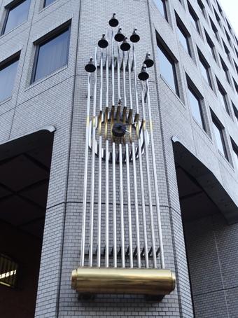 青山富士ビルの壁時計