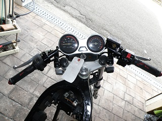 TZR1250180.jpg